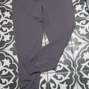 fabletics joggers in dusty mauve size xl